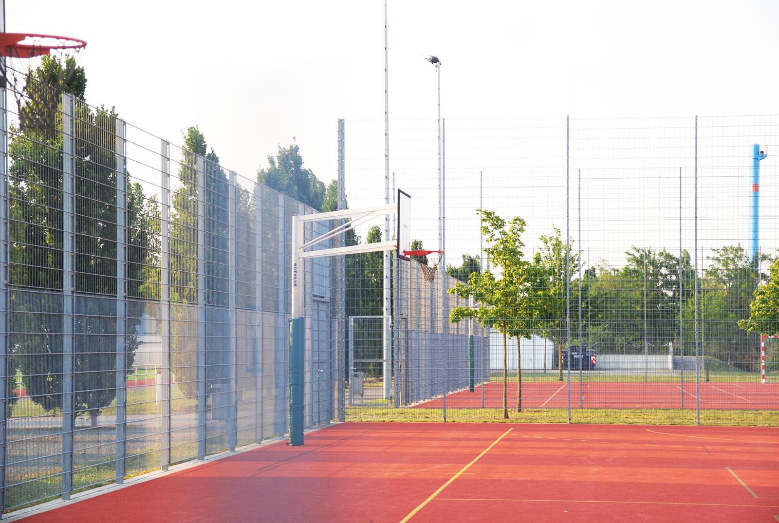 OSZ-technik-henningsdorf-sportfreiflaechen-landschaftsarchitektur-berlin-albert-armbruster