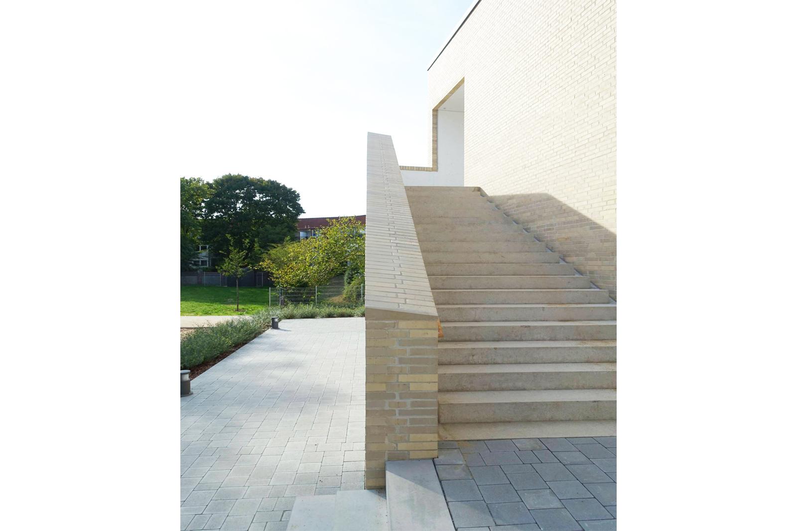 kita-hemelingen-bremen-aussenanlagen-armbruster-gruenanlage-landschaftsarchitektur-treppenanlagen